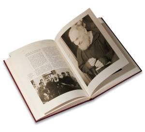 interno del libro su Padre Pio