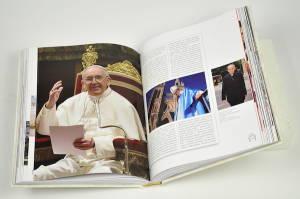 libro su papa francesco editrice velar