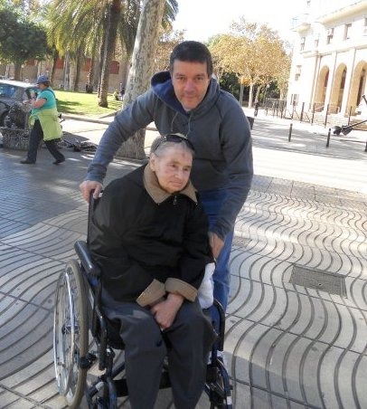 Mons Luigi Ginami e Santina
